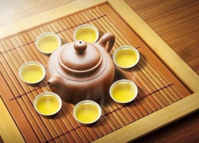 قىزىل چاي بىلەن يىشىل چاينىڭ قايسىسى ئاشقازانغا پايدىلىق